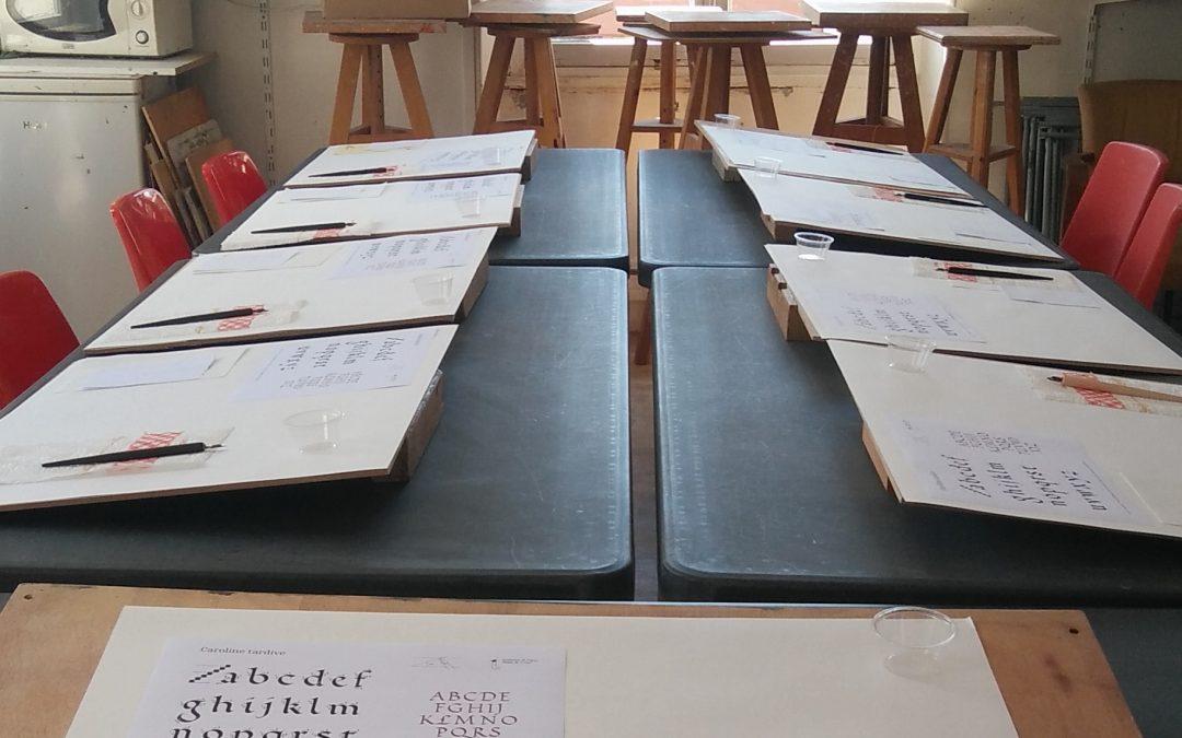 Ouverture d'un cours de calligraphie latine à Palaiseau